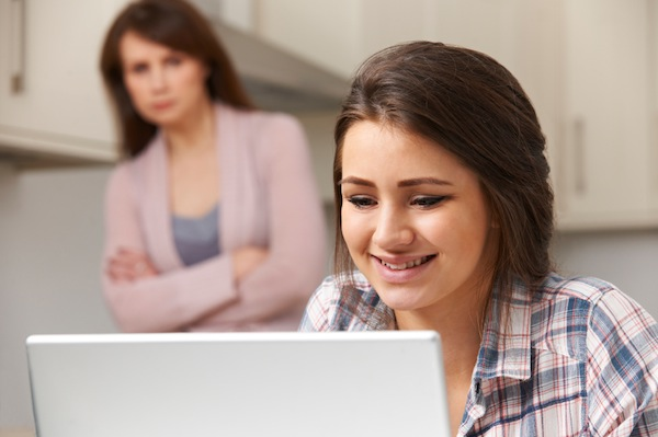 Mother Concerned About Teenage Daughter's Over Online Activity