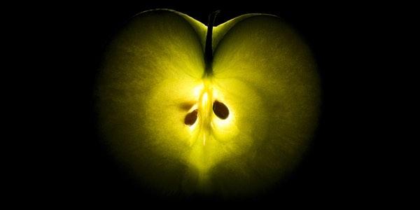 half-apple-600x300