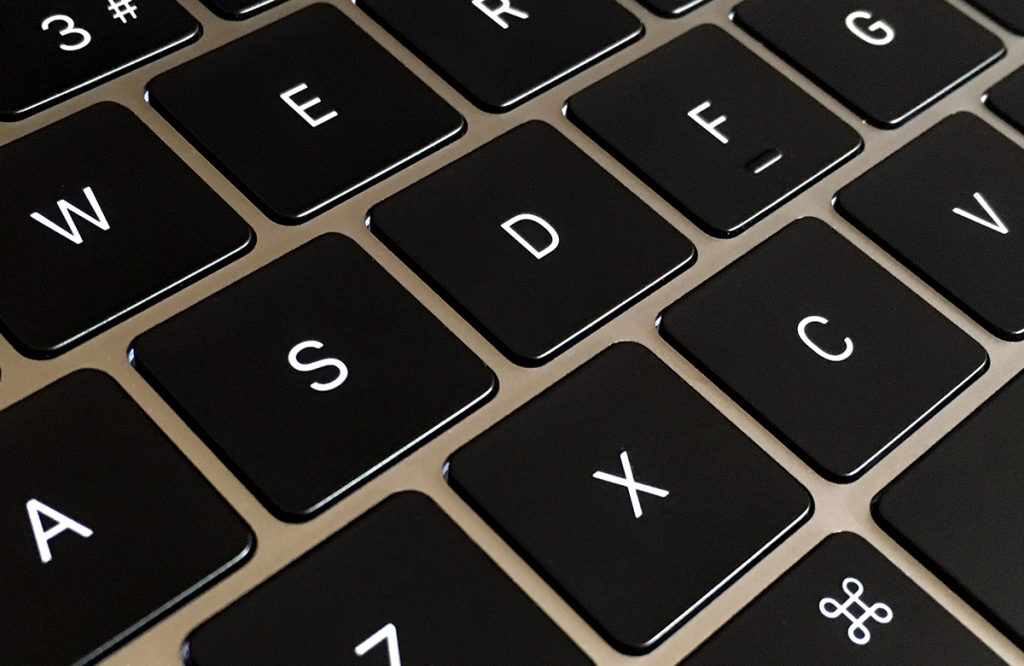 Navigate the Menu Bar, Dock, and More, Using Your Mac's Keyboard
