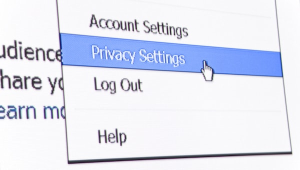 How to Manage Privacy Settings on Popular iOS Apps | The Mac ...